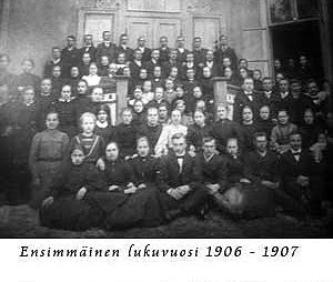 Kuva: ensimmäinen lukuvuosi 1906-1907.